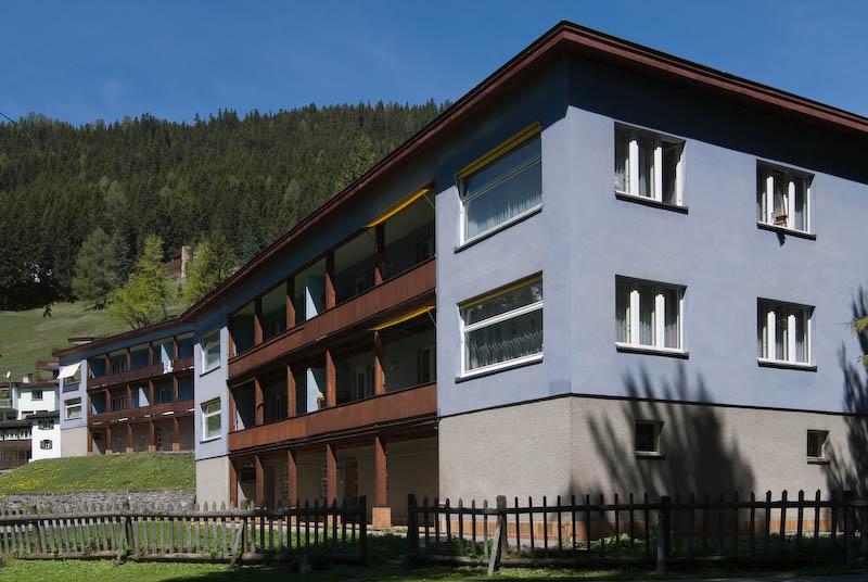 Blaue Häuser graubünden baukultur bauwerke